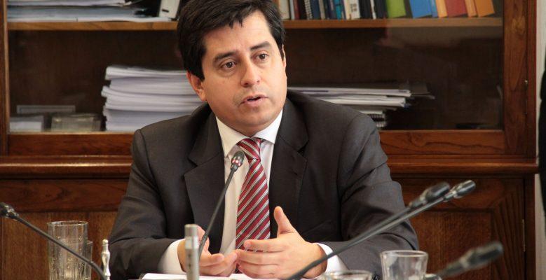 """Senador Araya: """"El gobierno no puede seguir escondiendo la grave crisis de desempleo que existe en la Región de Antofagasta"""""""